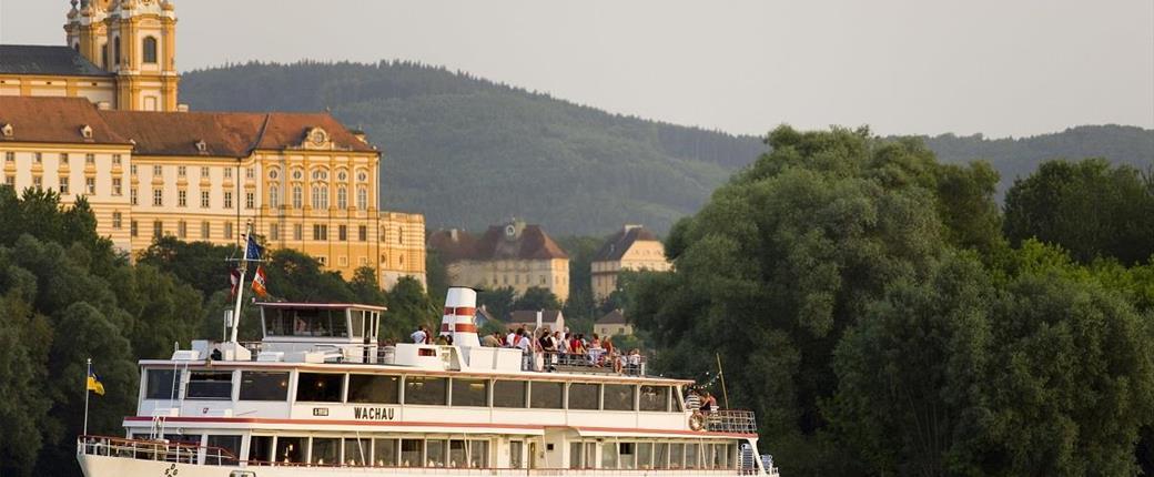 Perly Dolního Rakouska s plavbou lodí po Dunaji